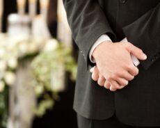 Jak można zorganizować skromny pogrzeb?